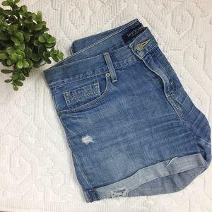 4/$25 Levi's Distressed Folded Hem Jean short BB19